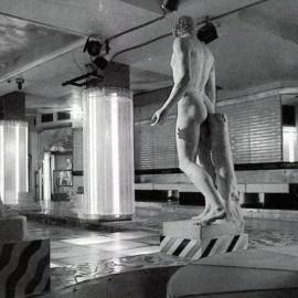 Discoteca Kinki di Bologna, design Fabrizio Passarella, con la collaborazione di Giovanni Marcotto.  © Domus 638 / aprile 1983