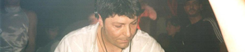 Claudio Coccoluto al Peter Pan di Riccione nel 1994  © Facenight www.facenight.it